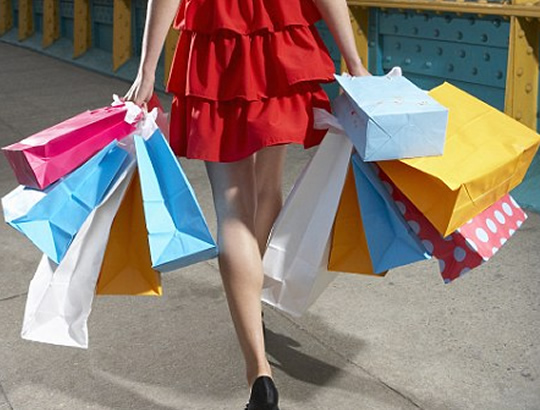 Mujer de compras Whimed