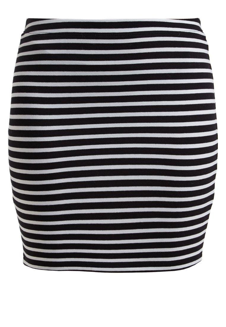 2df4dc70, mini falda rayas, falda estampada, paula echeverria, paula echevarria, tendencias otoño 2015