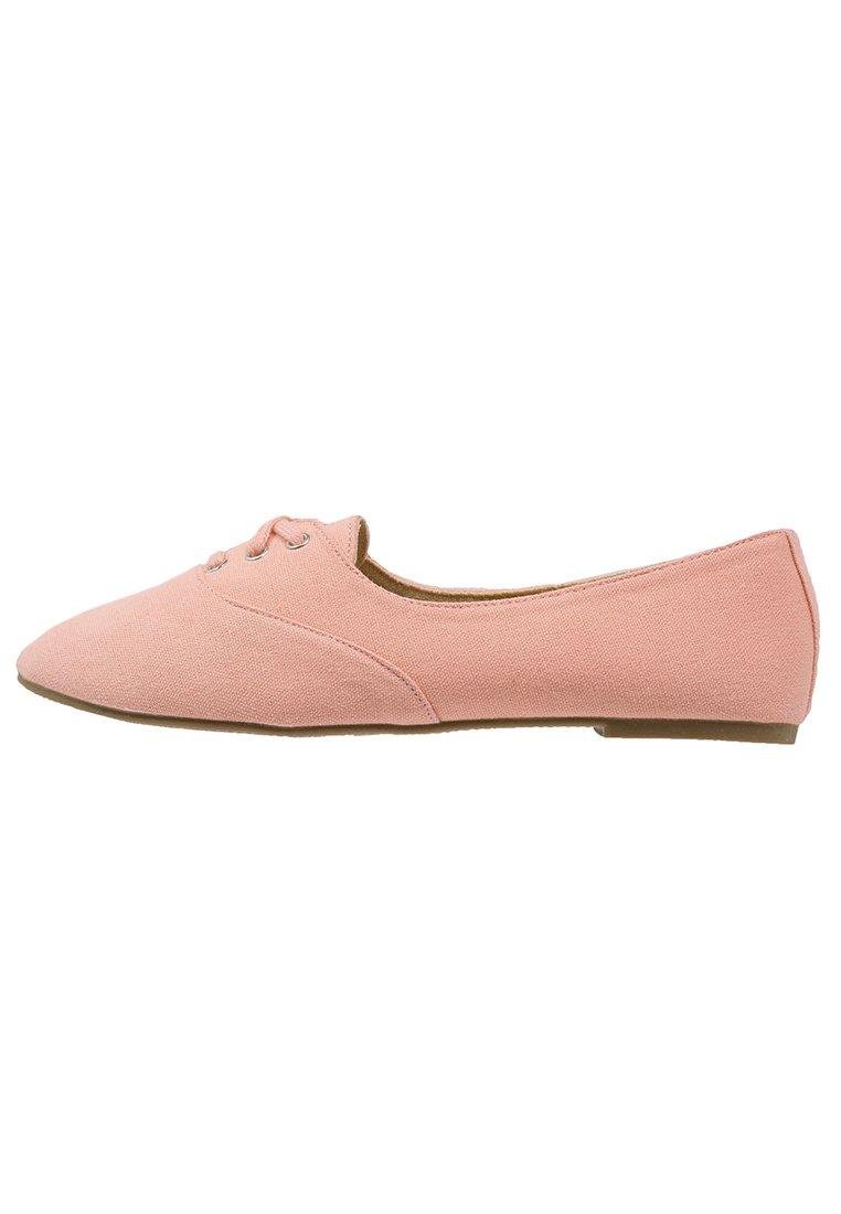 fc7b3b0f, mocasines mujer, calzado mujer, moda mujer, tendencias otoño