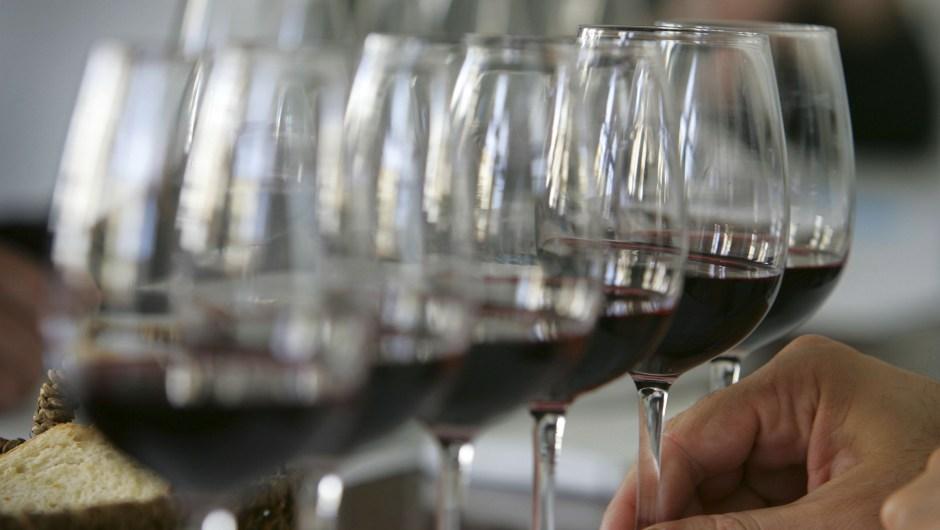 150427173113-brain-food-red-wine